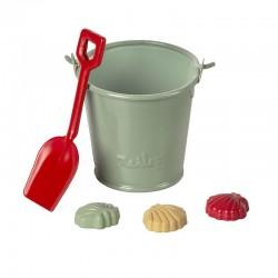 Beach set – Shovel, bucket & shells